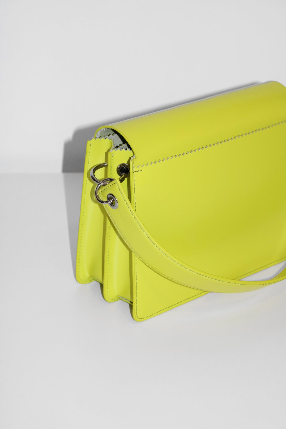 Pinch Shoulder Bag, Lime