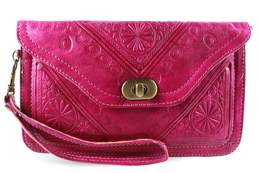 FUCHSIA-WRISTLET-Handmade-Moroccan-Leather-MOROCCANSWAY