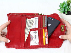 RED TRIFOLD WRISTLET