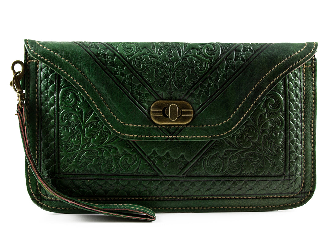 KELLY-GREEN-WRISTLET-Handmade-Moroccan-Leather-MOROCCANSWAY