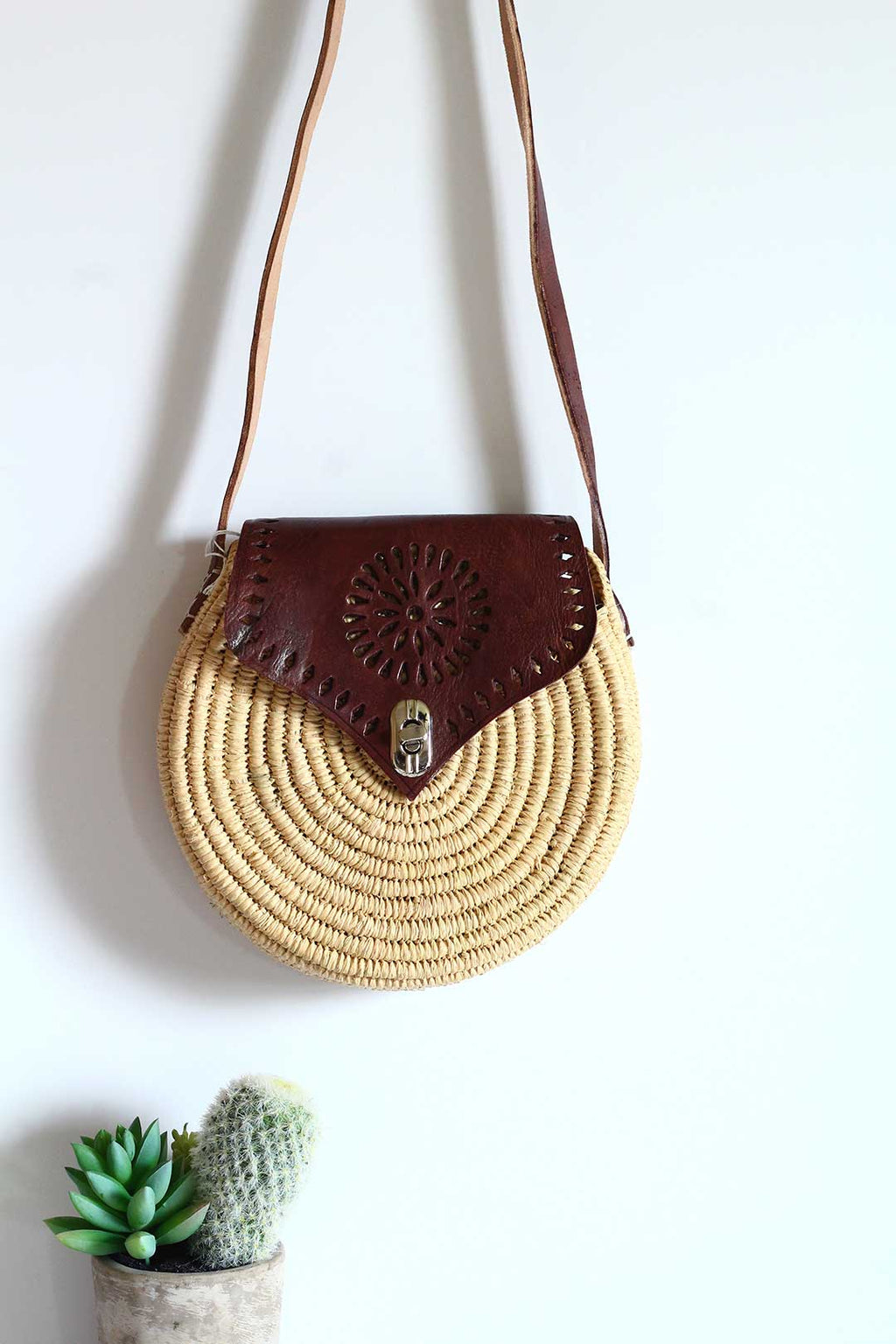 brown sun round raffia crossbody