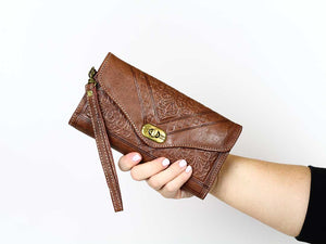 dark brown trifold moroccan leather wrsitlet