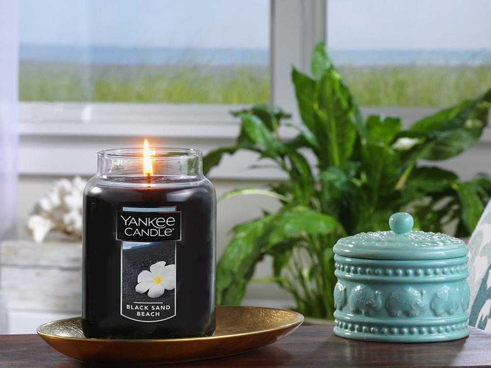 yankee-candle-black-sand-beach