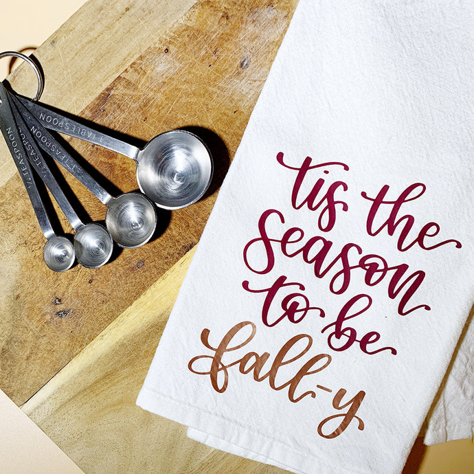 DIY Fall Tea Towel with Color Chimp Luxe Heat Transfer Vinyl {+ a FREE Hand-Lettered Cut File!)
