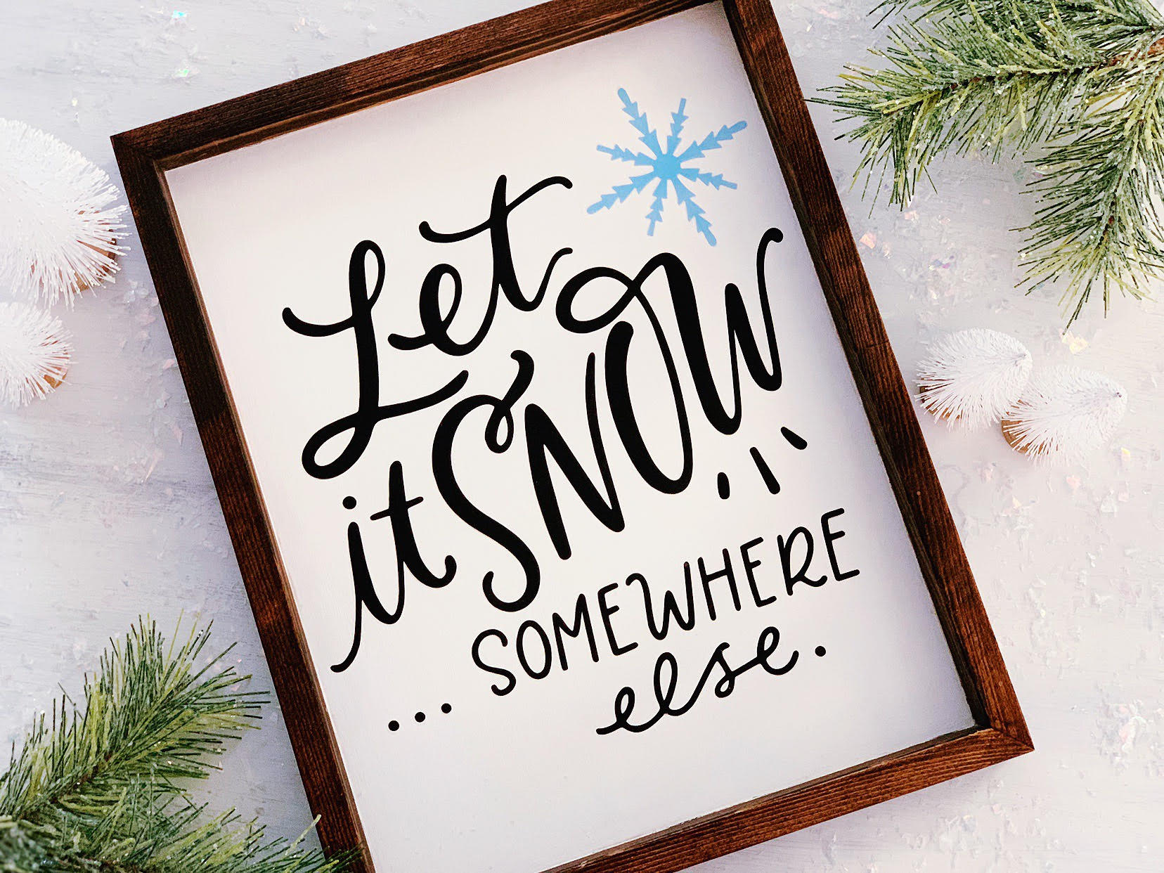 Craftey + OC Vintage Charm Let It Snow Wooden Sign