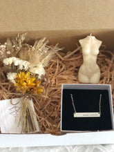 Mother's Day giftbox - Handstamped Bar Necklace