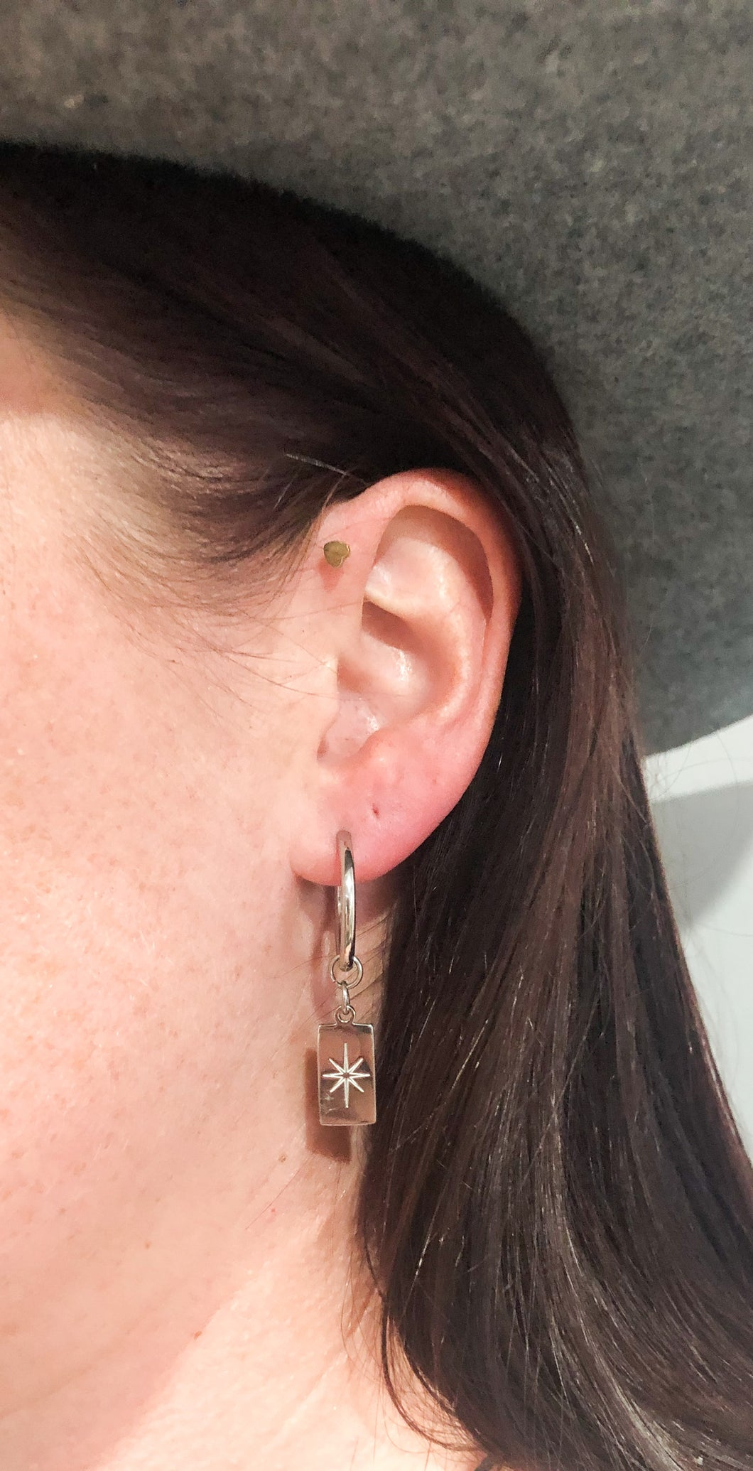 Etched star thick hoop earrings