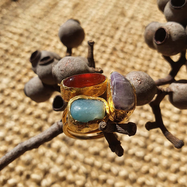 Inartisan - Pelias Triple stone ring