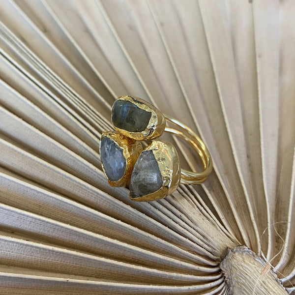 Inartisan - Karis Triple Stone Ring