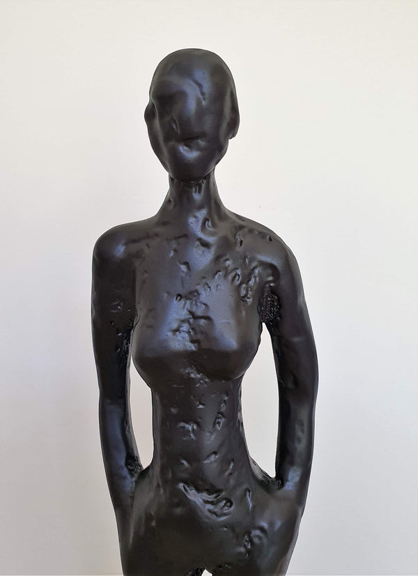 Horgans - Woman sculpture