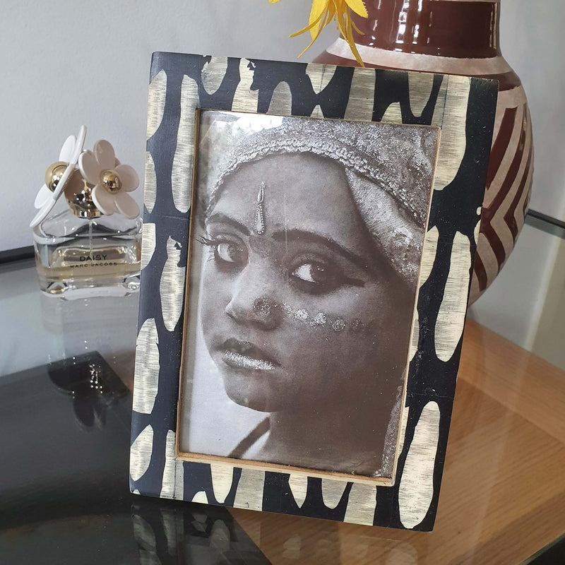 Horgans - Bone Picture frame organic dots