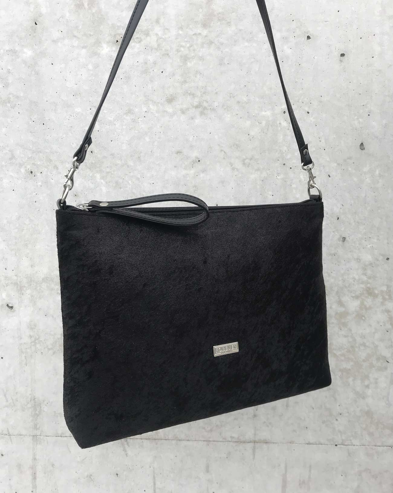 mala shoulderbag velvet black