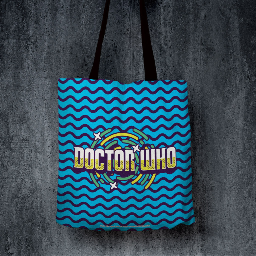 Gridlock Doctor Who Edge to Edge Tote (Lifestyle)