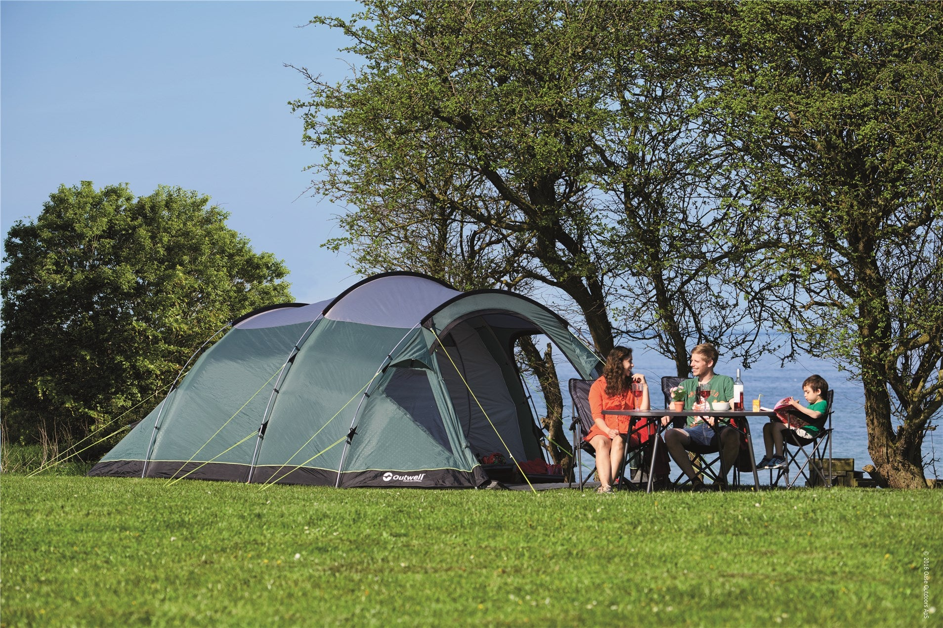 Pitch Up & Newquay Camping | Tents | Sleeping Bags | Flag Poles | Drive Away ...
