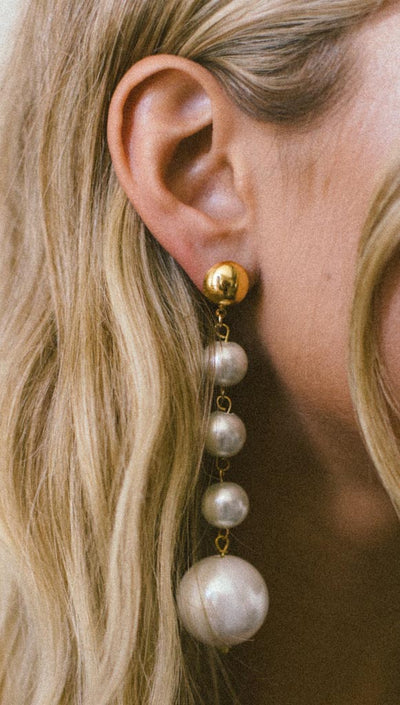Yunis K Bella Pearl Drop Earrings