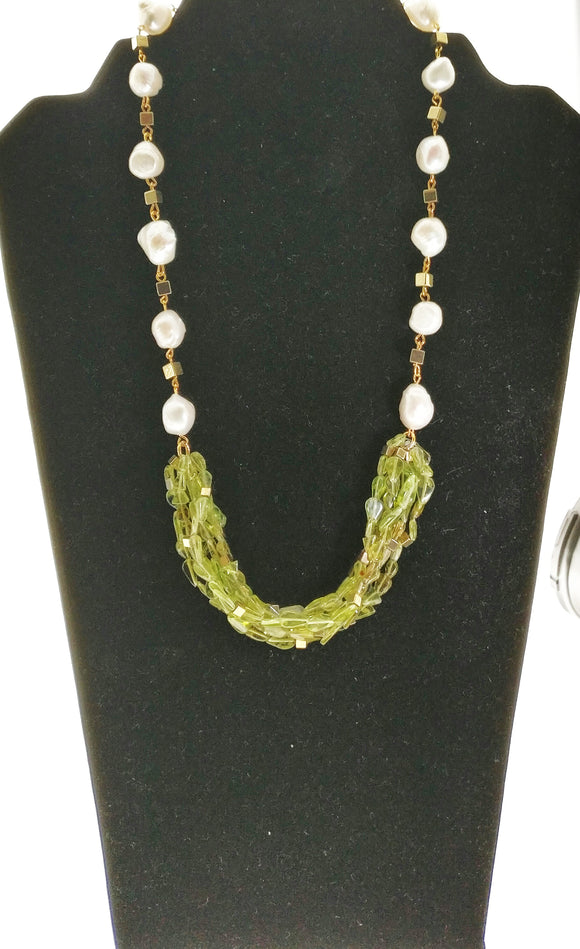 Charming Necklace made with Natural High Quality Peridot Gemstones Enhanced with Fresh Water Pearls and Hematite Findings