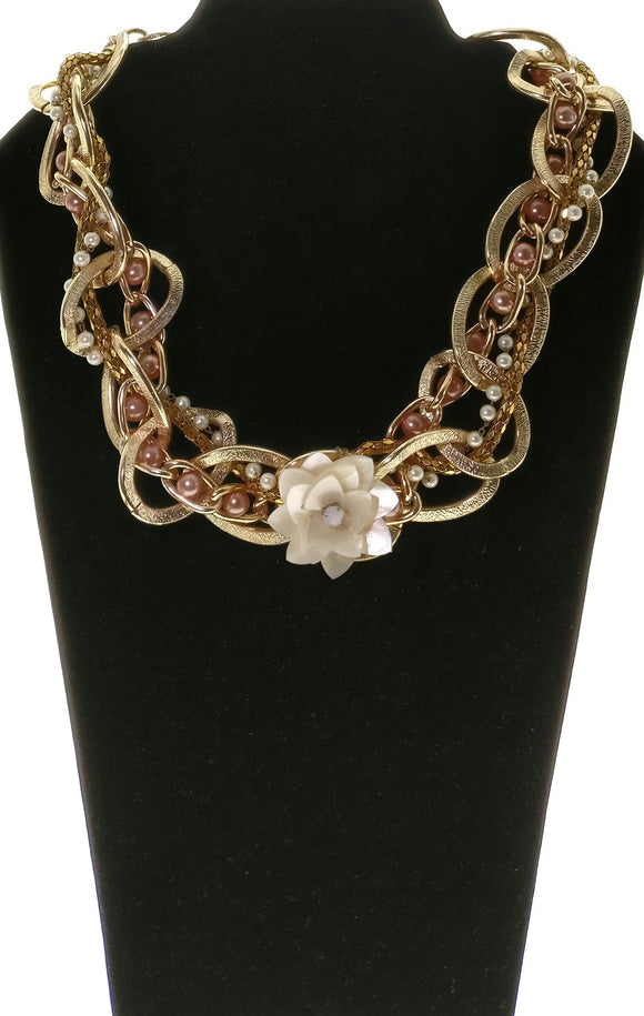 Star Jewels- Modern Designer Semi Precious Stone & Fashion Jewelry Stylish Metallic Gold Chain Adorned with a Chic Shell Rose Shaped Pendant (19 Inches)