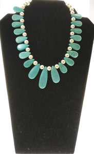 Star Jewels- Modern Designer Semi Precious Stone & Fashion Jewelry Charismatic Turquoise Gemstone Plates Necklace adorned with Beautiful Pearls (14 Inches)