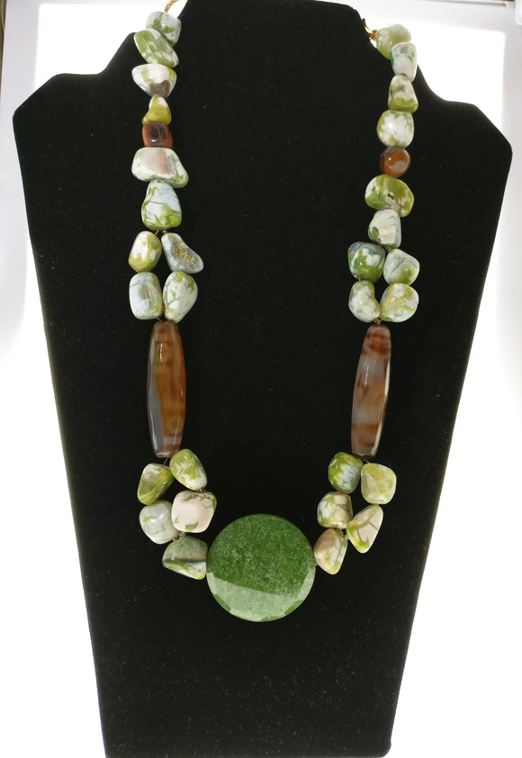 Star Jewels- Modern Designer Semi Precious Stone & Fashion Jewelry Standout Neck Piece made with Artistic Agate Chunks and Cylinders and Enhanced with a Jade Pendant (20 Inches)