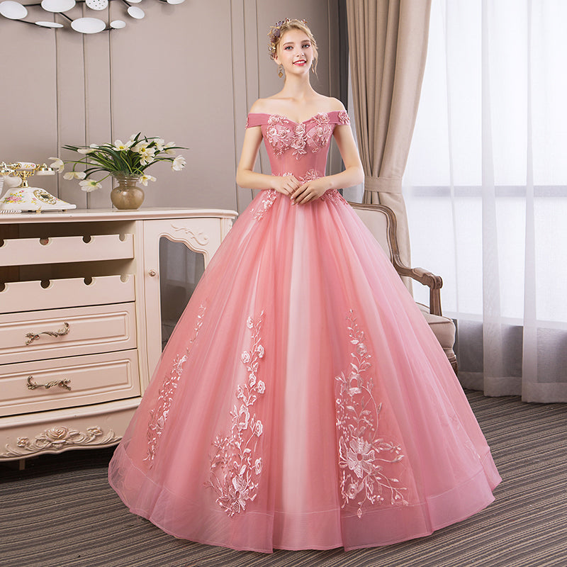 515912395e34c Quinceanera Dresses 2019 New Elegant Boat Neck Luxury Lace Embroidery Vestidos  De 15 Anos Party Prom
