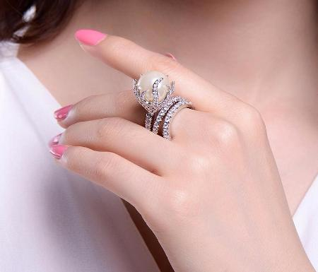 Womens Cubic Zirconia Big Simulated Pearl White Gold Plated Cocktail Ring