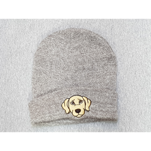 Beanie hat with embroidered Labrador