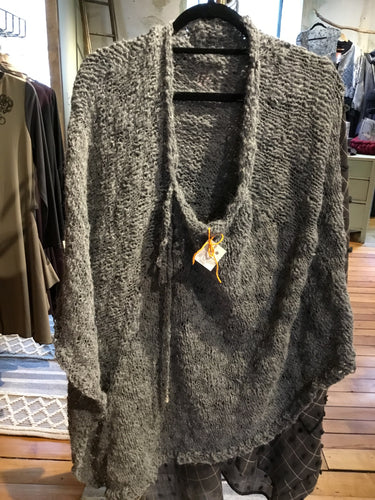 BS1-1512 Grey Poncho Plain