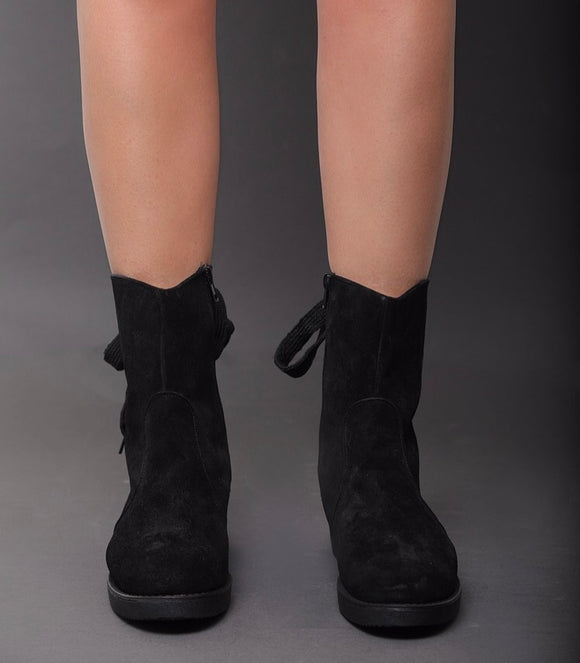 Nefeli Goedgy Boots in Black