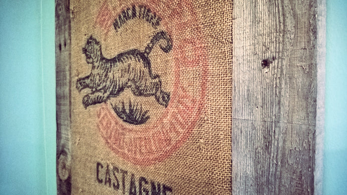 How to Frame a Coffee Sack with Pallet Boards – Wolf & Iron