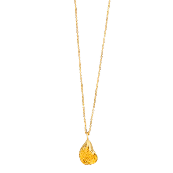 Wellfleet Oyster Necklace in Gold Vermeil