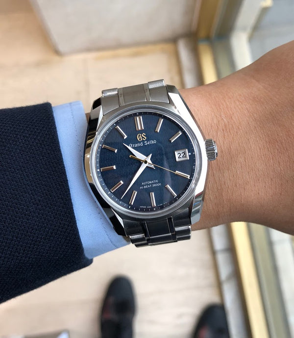 Best Everyday Blue Dial Luxury Watches between $5,000 and $10,000