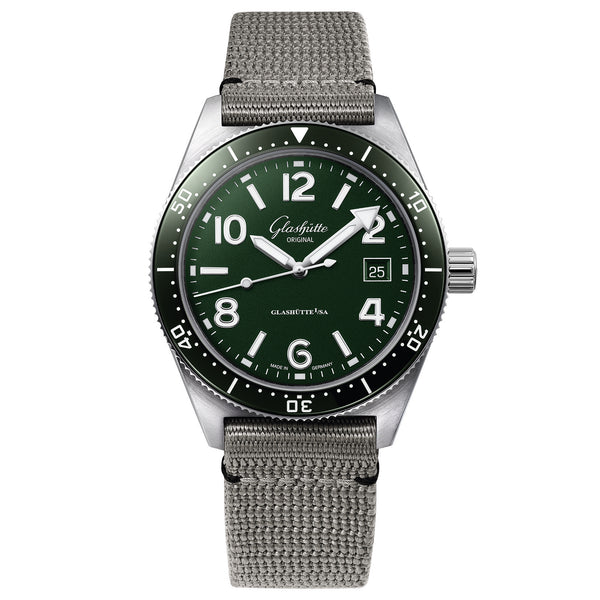 Spezialist SeaQ Green Dial 39mm Synthetic Strap