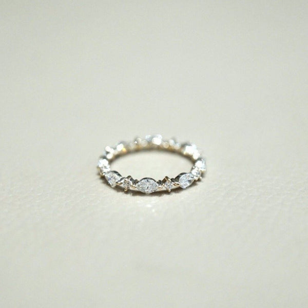 Delicate Marquise and Round Band