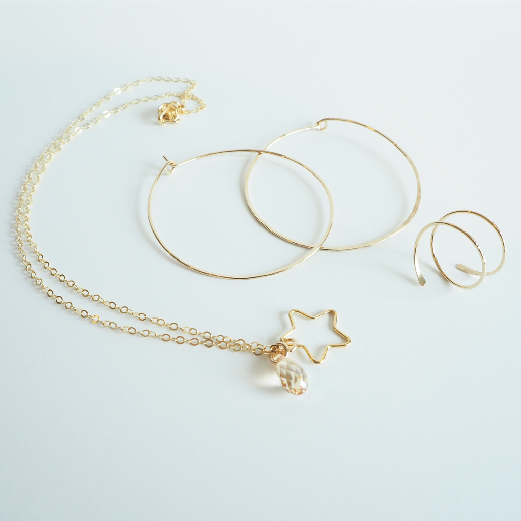Shooting Star Necklace - on-holiday