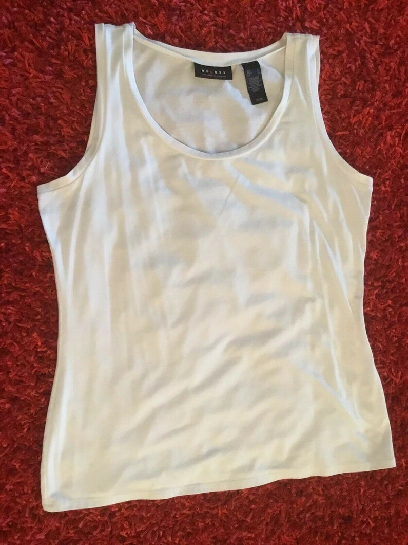 Axcess Tank Top (A Liz Claiborne Company). White, Rounded Neckline-L