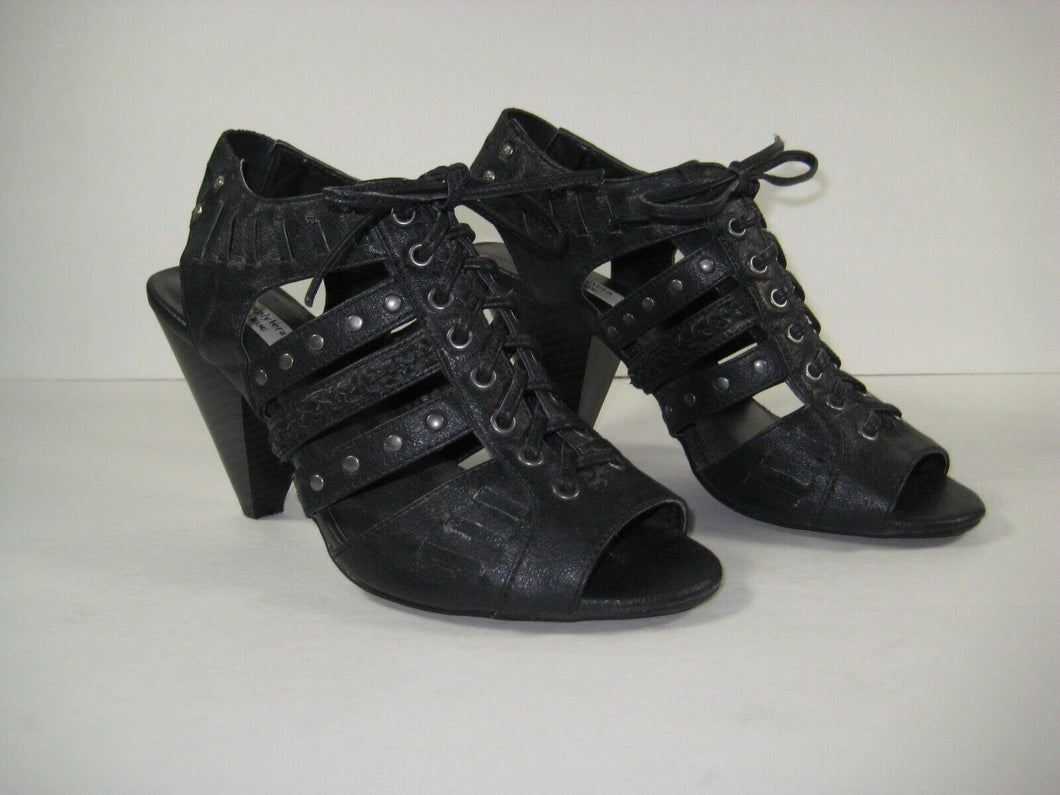 Simply Vera Vera Wang Womens Faux Leather Strappy sexy heels! Size 7 see photos!