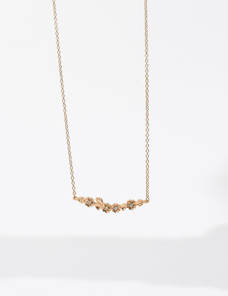 BUTTERCUP DIAMOND CURVE NECKLACE
