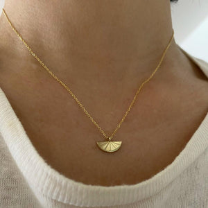 DECO FAN NECKLACE