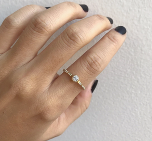 DIAMOND BAGUETTE MINI EQUILIBRIUM RING