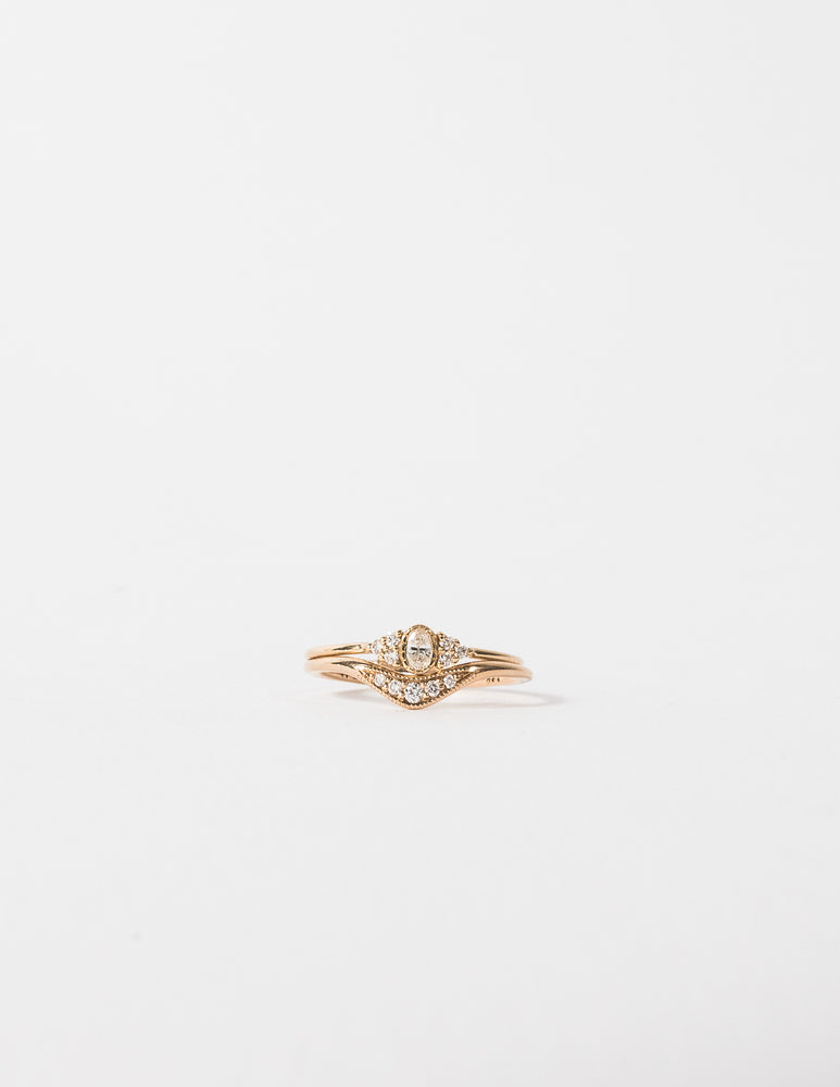 OVAL DIAMOND CLUSTER WHISPER RING