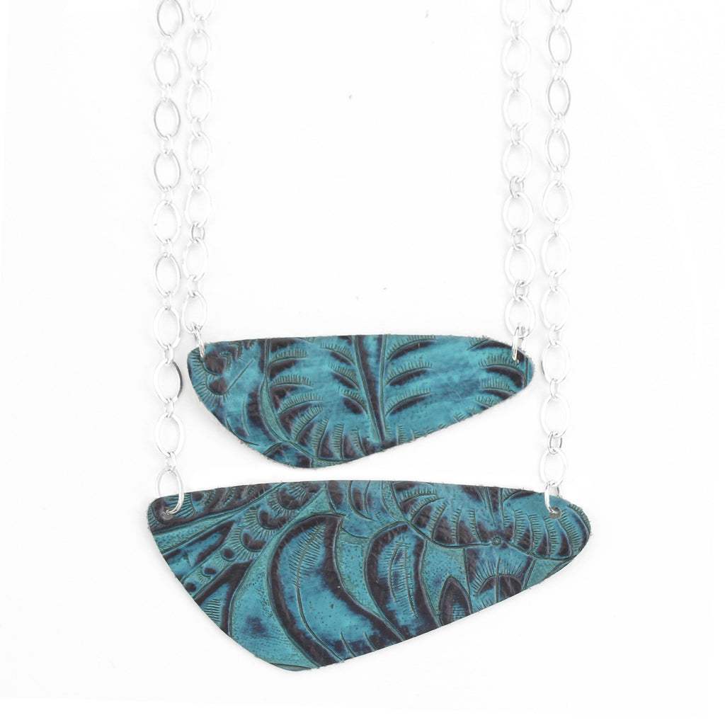 The River Rock Necklace in Tooled Blue