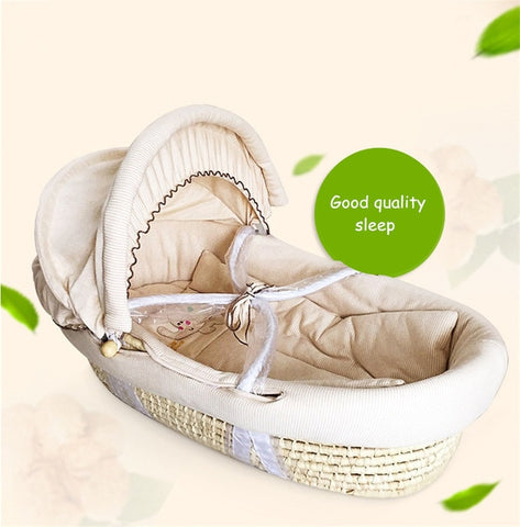 Portable Baby Basket - Cozy Nursery