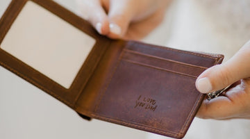 A Personalized Leather Wallet | The Perfect Christmas Gift