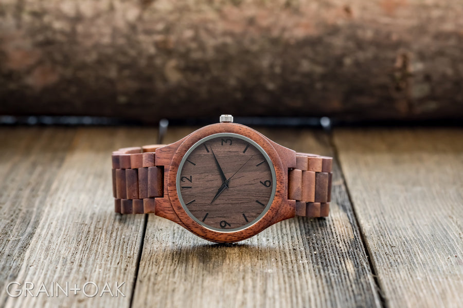 The Oliver Walnut | Set of 8 Groomsmen Watches Grain and Oak