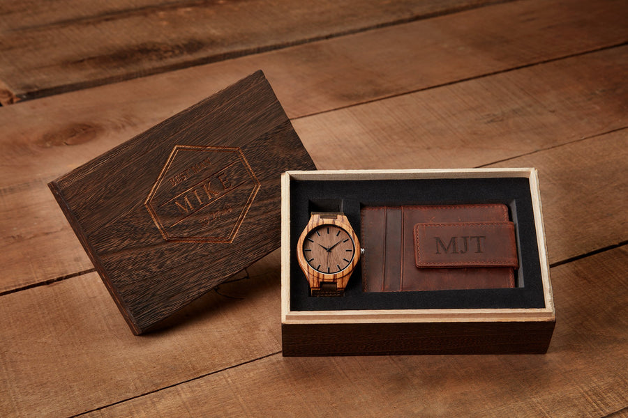 Wooden Gift Box Design - Compass Rose + Coordinates Grain and Oak