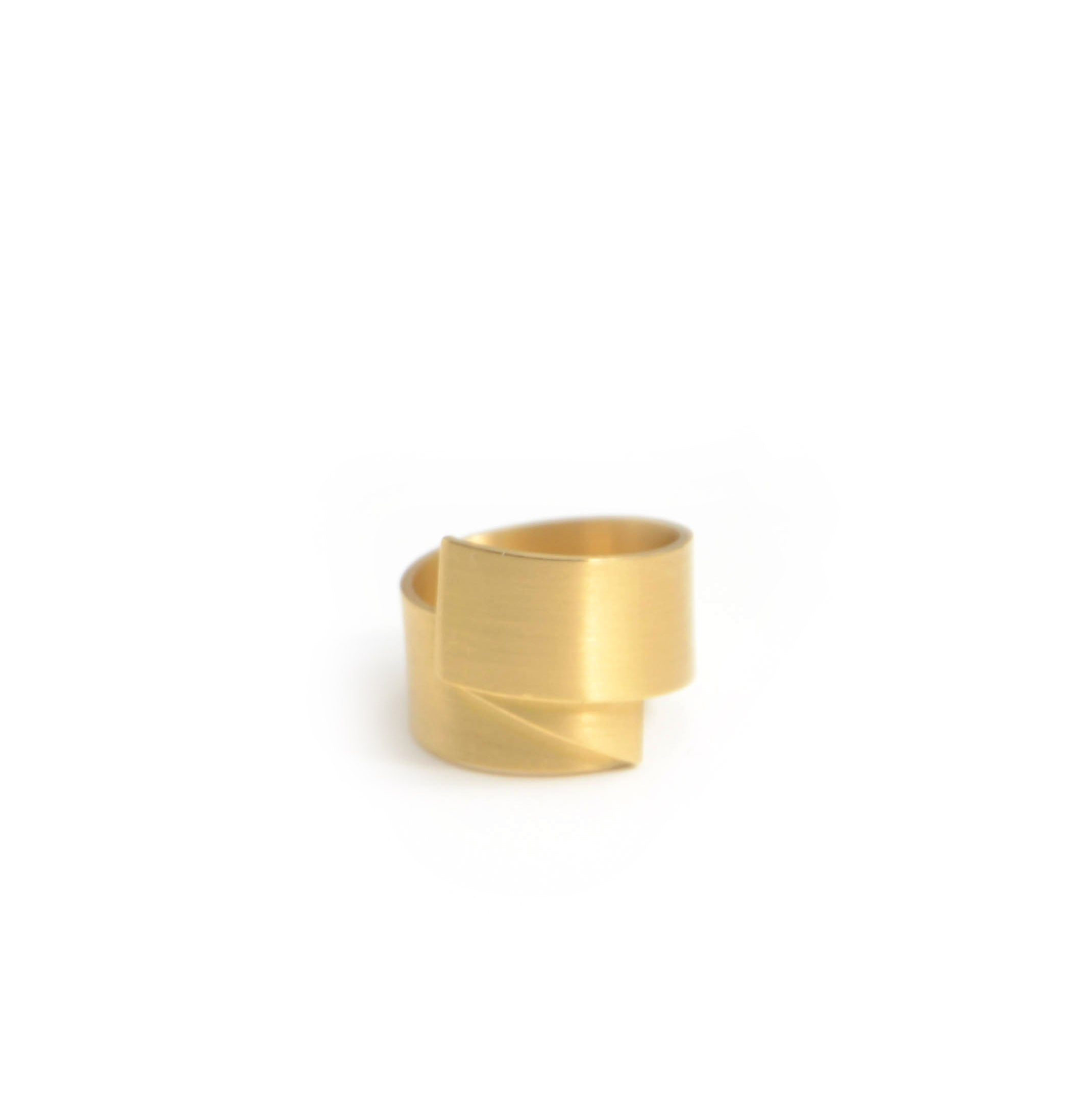 Isabelle Fa Faltung ring in 18 karat satin finish yellow gold