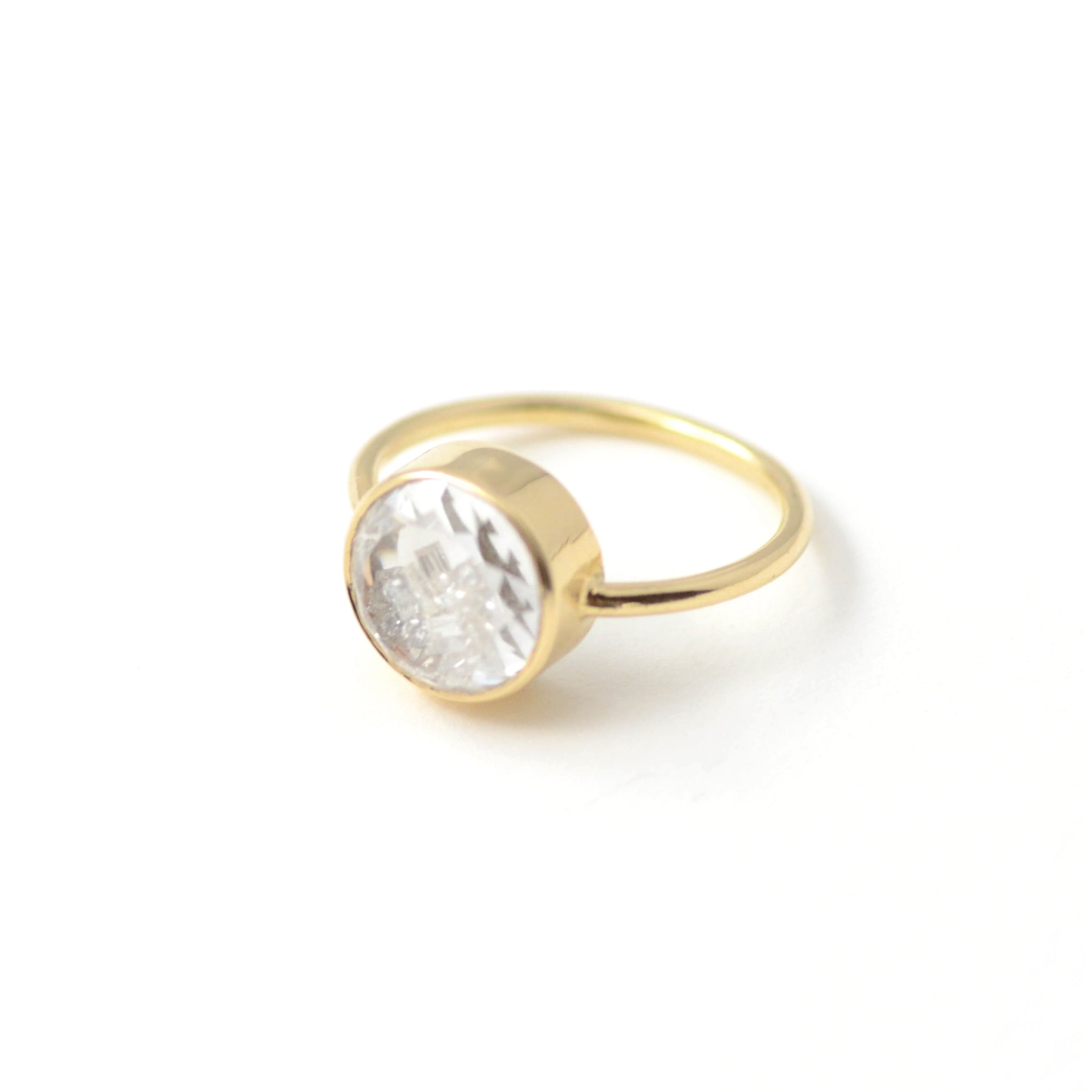 White Diamond Shake Ring