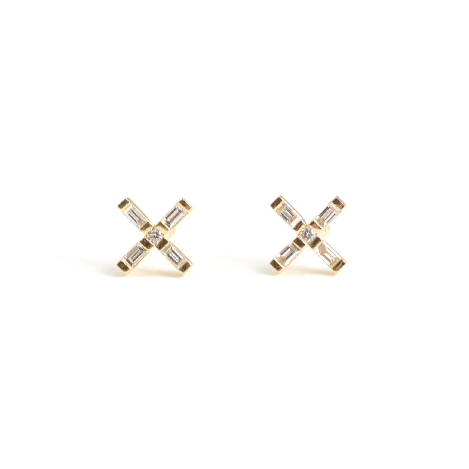 diamond baguette X stud earrings in 14kt yellow gold