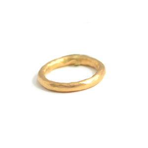 Lika Behar peach glow 22 karat gold band