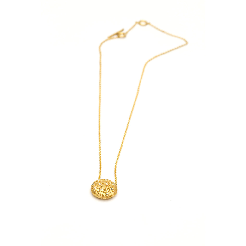 yossi harari lace pendant necklace with diamonds. in 24 karat yellow gold